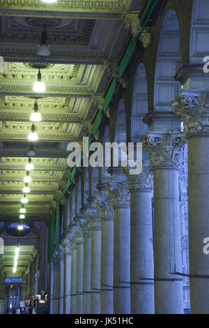 Italy, Lombardy, Milan, Piazza del Duomo, arches - Stock Photo