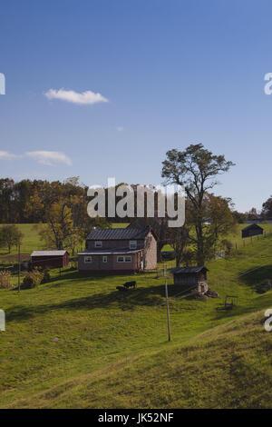 USA, West Virginia, Buckeye, Monongahela National Forest, small farmhouse - Stock Photo