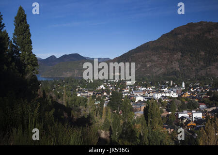 Argentina, Neuquen Province, Lake District, San Martin de los Andes, town view from the east, morning - Stock Photo