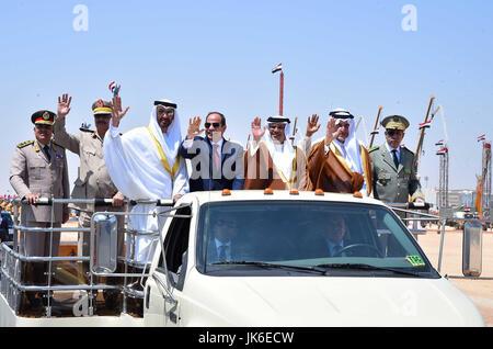 El Hammam, Marsa Matrouh, Egypt. 22nd July, 2017. Egyptian President Abdel Fattah al-Sisi rides a vehicle with Arab - Stock Photo