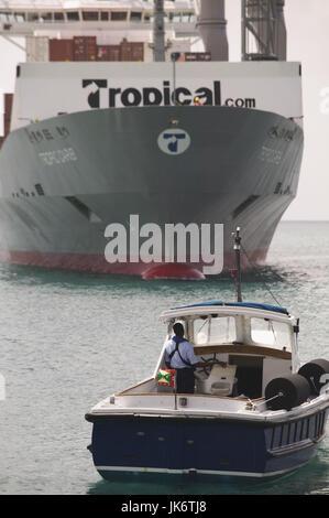 Grenada, St. George's, Hafen, Containerschiff, Detail, Lotsenschiff  Karibik, Westindische Inseln,  Inseln über - Stock Photo