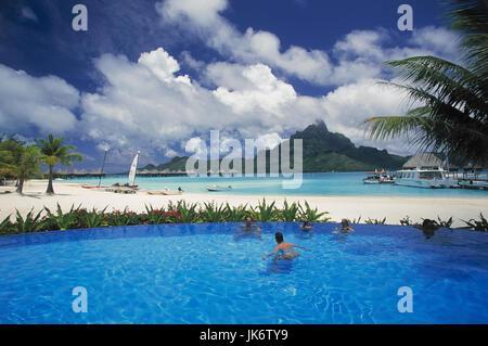 Französisch-Polynesien, Bora Bora,  Le Meridien Hotel, Pool, Badegäste no model release außen, Südsee, Südpazifik, - Stock Photo
