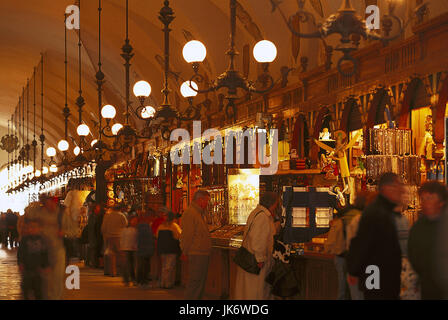 Polen, Krakow, Stadtplatz, Tuchhallen, Verkauf, Touristen  Europa, Osteuropa, Rzeczpospolita Polska, Kleinpolen, - Stock Photo