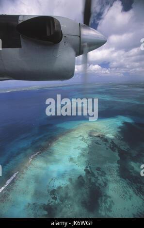 Inselflugzeug, Blick Fenster, Karibik,  Kleine Antillen, Guadeloupe, Grande  Terre, Grand Cul de Sac Marin Mittelamerika, - Stock Photo