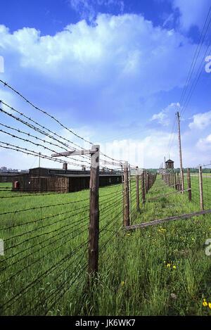 Polen, Kleinpolen, Lublin, Majdanek,  Konzentrationslager, Stacheldrahtzäune,  Wachturm, Holzhaus Europa, Osteuropa, - Stock Photo