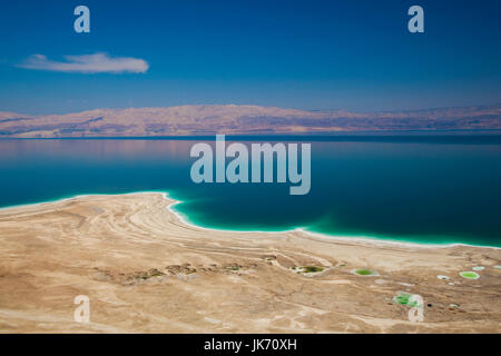 Israel, Dead Sea, Metzoke Dragot, elevated view of the Dead Sea - Stock Photo