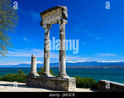 Roman Corinthian column from Noviodunum, Nyon, Vaud, Switzerland - Stock Photo