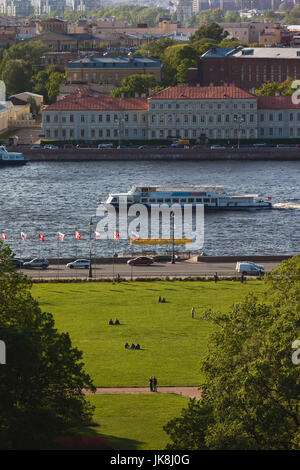 Russia, Saint Petersburg, Center, elevated view of tourboat on the Neva River from St. Isaac Cathedral - Stock Photo
