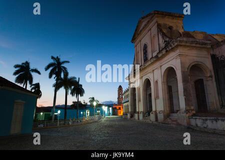 Cuba, Sancti Spiritus Province, Trinidad, Iglesia Parroquial de la Santisima Trinidad, Holy Trinity Church, dusk - Stock Photo