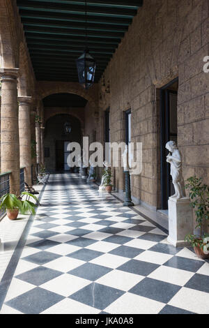 Cuba, Havana, Havana Vieja, Plaza de Armas, Museo de la Ciudad museum, courtyard - Stock Photo