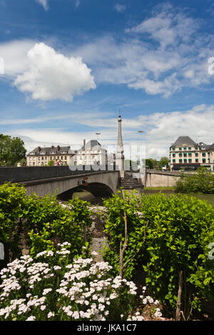 France, Picardy Region, Oise Department, Compiegne, town view, OIse River - Stock Photo