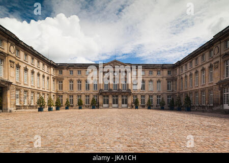 France, Picardy Region, Oise Department, Compiegne, Palais de Compiegne, Compiegne Palace, exterior - Stock Photo