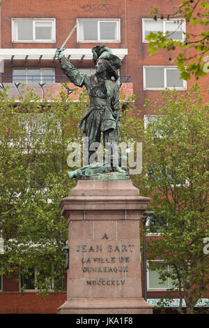 France, Nord-Pas de Calais Region, Nord Department, French Flanders Area, Dunkerque, statue of privateer Jean Bart - Stock Photo