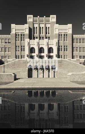 USA, Arkansas, Little Rock, Little Rock Central High School National Historic Site, site of 1954 school desegregation - Stock Photo