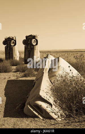 USA, Nebraska, Alliance, Carhenge, outdoor sculpture modelled on Stonehenge in England but made of old cars - Stock Photo