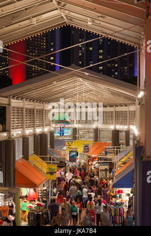 USA, Florida, Miami, people at Bayside Mall - Stock Photo