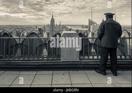 USA, New York, New York City, Manhattan view from atop the 30 Rock viewning Platform - Stock Photo