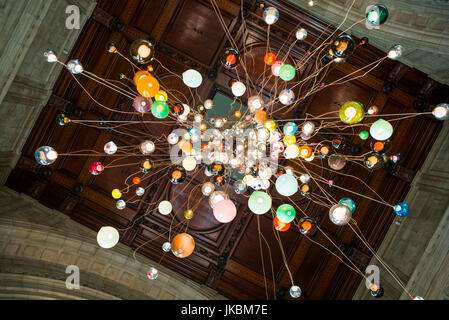 England, London, South Kensington, The Victoria and Albert Museum, main entrance ceiling glass sculpture by Dale - Stock Photo