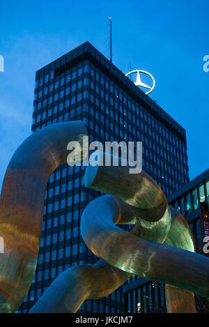 Germany, Berlin, Charlottenburg, Kurfurstendam, Berlin sculpture by Brigitta and Martin Matschinsky with Europa - Stock Photo