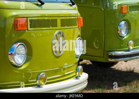 USA, Massachusetts, Cape Ann, Gloucester, Antique Car Show, 1970s-era, Volkswagen Camper Bus - Stock Photo