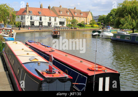 Narrow boats on the  River Great Ouse, Ely, Cambridgeshire, England, UK - Stock Photo