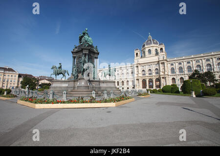 Monument to the Maria Theresien Denkmal and Natural History Museum (Naturhistorisches Museum) on the Maria-Theresien - Stock Photo