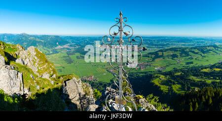 Gipfelkreuz auf dem Gruenten, 1738m, Illertal, Allgaeuer Alpen, Oberallgaeu, Allgaeu, Bayern, Deutschland, Europa - Stock Photo