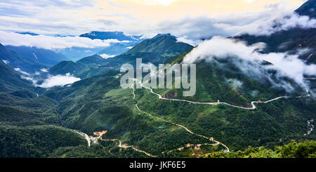 Mountain pass. - Stock Photo