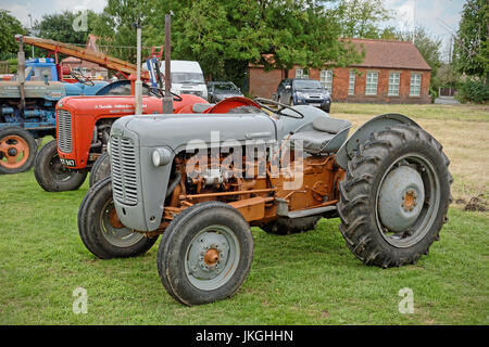 A Ferguson FE35 diesel tractor dating from about 1956 - Stock Photo