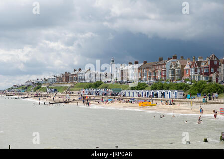 Southwold, Suffolk, UK. 24th July, 2017. Storm clouds over the sunny beach at Southwold, Norfolk. Alan Beastall/Alamy - Stock Photo