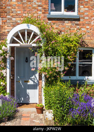 A pretty house in the village of Little Bedwyn in Wiltshire. - Stock Photo