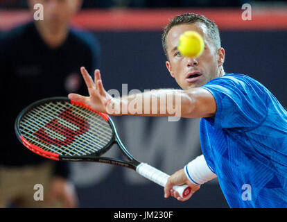 Hamburg, Germany. 25th July, 2017. Philipp Kohlschreiber of Germany playing against Andrey Rublev of Russia in the - Stock Photo