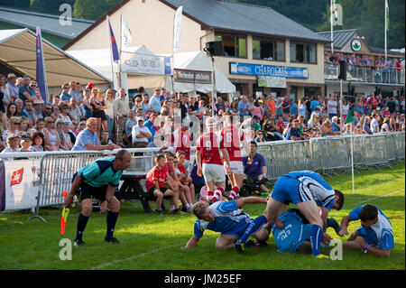 Llanelwedd, Powys, UK. 25th July, 2017. Young farmers Club seven-a-side Rugby Competition takes place in the late - Stock Photo