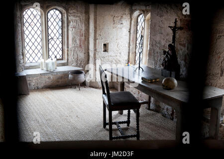 Cell inside Berkeley Castle where King Edward 2nd was imprisoned and murdered in 1327, Berkeley Castle, Berkeley, - Stock Photo