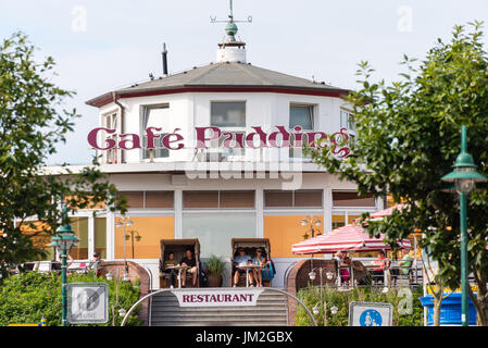 WANGEROOGE, GERMANY.  05th July 2017: View of the famous Cafe Pudding located on the  seawall of the island wangerooge, - Stock Photo