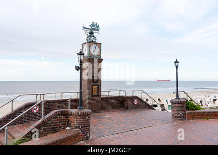WANGEROOGE, GERMANY.  05th July 2017:  View of the famous tide watch on the seawall promenade of the island wangerooge, - Stock Photo