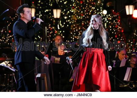 Seth MacFarlane, Meghan Trainor. The Grove Christmas With Seth ...