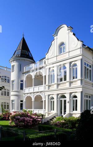 Villas in the seaside-resort architectural style at the beach promenade in the Baltic resort Binz, Ruegen Island, - Stock Photo