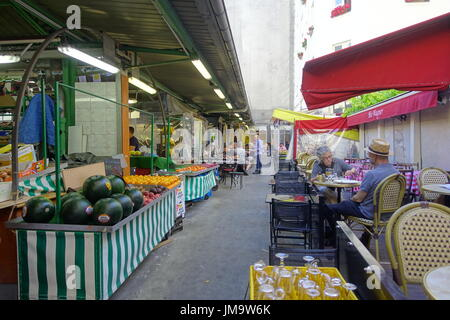 Paris, Marche des Enfants Rouges, rue de Bretagne - Stock Photo