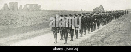 First Canadian infantry passing Stonehenge, ww1 - Stock Photo