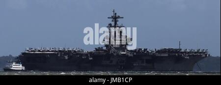 Portsmouth, England. 27th July, 2017. - US Carrier Visit - The USS George H W Bush, an American Nimitz class aircraft - Stock Photo
