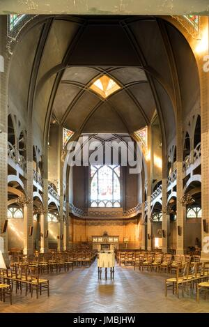 Paris, Pfarrkirche Saint-Jean de Montmartre, 19 rue des Abbesses, Architekt Anatole de Baudot - Stock Photo
