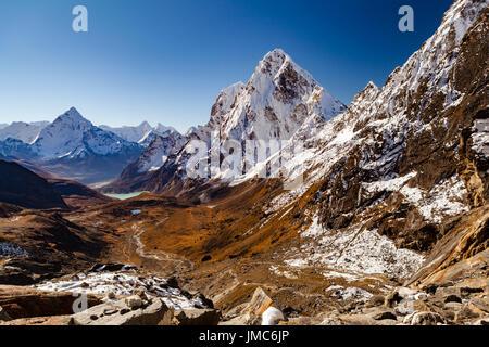 Himalaya Beautiful Mountain Peaks from Cho La Pass, Inspirational Autumn Himalayas Landscape in Everest National - Stock Photo