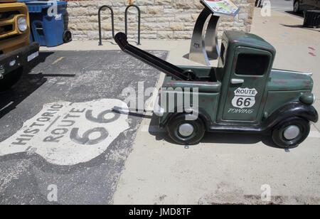 mini tow truck in pontiac on route 66 illinois - Stock Photo
