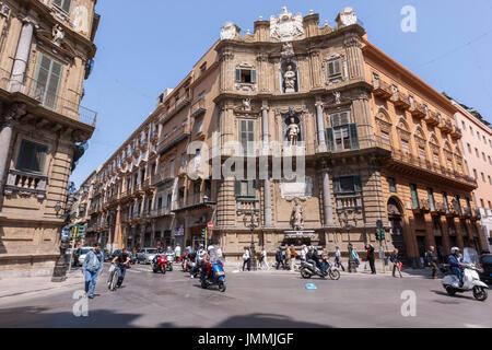 Quattro Canti, East, Tribunali (courts), Piazza Vigliena, Palermo, Sicily, Italy - Stock Photo