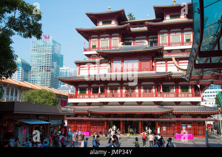 Buddha Tooth Relic Temple in Chinatown, Singapore - Stock Photo