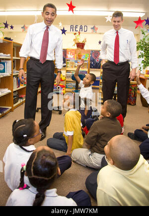 Chicago, IL - December 16, 2008 -- United States President-elect Barack Obama and newly nominated Secretary of Education former Chicago School Chief Arne Duncan speak to first to fourth graders at Dodge Renaissance Academy on Chicago's West Side. Credit: Ralf-Finn Hestoft - Pool via CNP