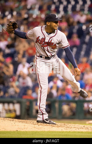 Philadelphia, Pennsylvania, USA. 28th July, 2017. Atlanta Braves relief pitcher Sam Freeman (39) throws a pitch - Stock Photo