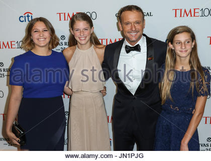 Tim mcgraw daughters faith hill tim mcgraw and their for Do tim mcgraw and faith hill have kids