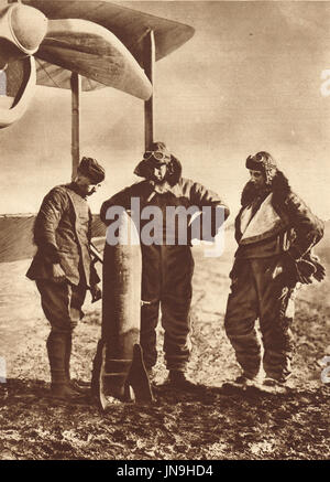 British Airmen contemplating destructive power of the Bomb they have to deliver, ww1 - Stock Photo